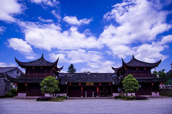 是中国现存最古老的木结构建筑之一,也是我国江南幸存的最古老最完整